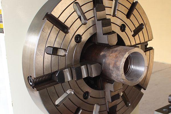 Pipe Threading Universal Lathe Machine Q245 (2)