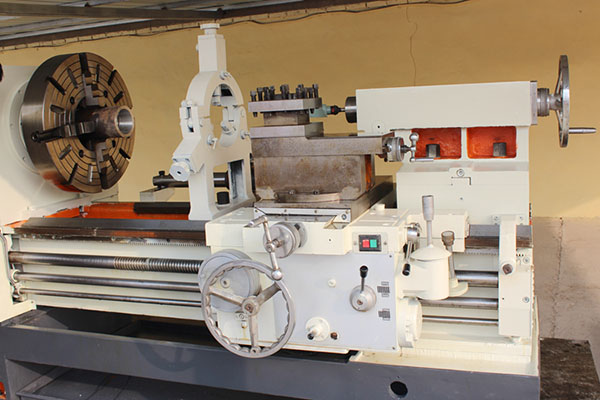 Pipe Threading Universal Lathe Machine Q245 (9)